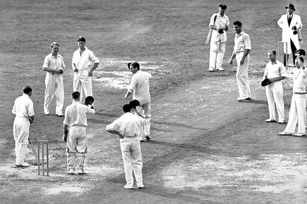 bradmans last innings context Sir donald george bradman, ac (27 august 1908 – 25 february 2001), often referred to as the don, was an australian international cricketer, widely acknowledged as the greatest batsman of all time bradman's career test batting average of 9994 has been cited as the greatest achievement by any sportsman in any major sport.