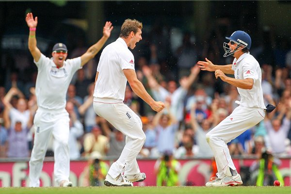 Tremlett and Cook celebrate SCG - 2010 Ashes