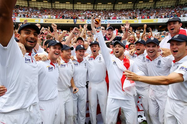 England with Barmy Army - SCG Ashes 2010