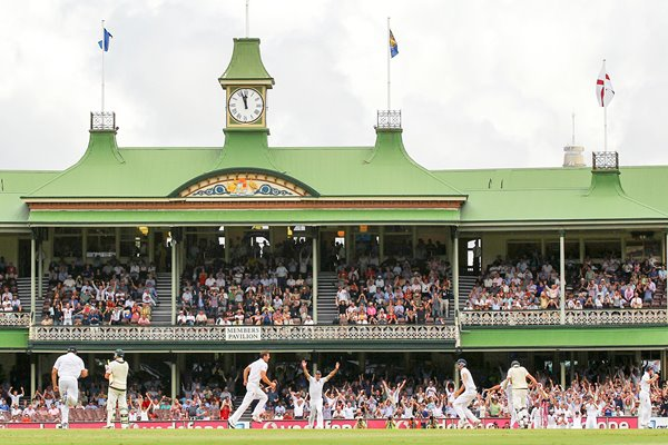 Moment of victory in Sydney - 2010 Ashes