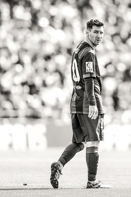 Lionel Messi of FC Barcelona looks on