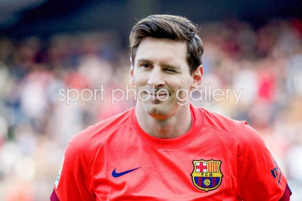 Leo Messi Barcelona wrinkles his eye