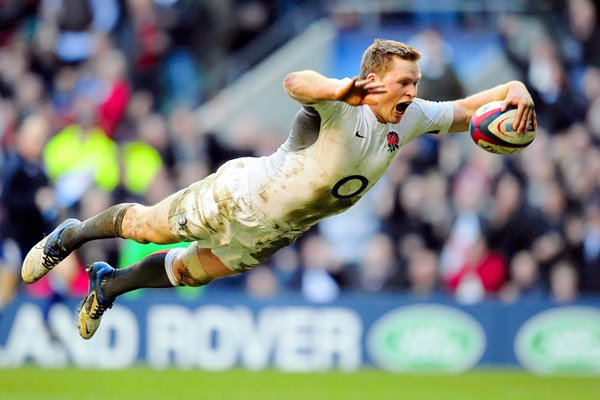 Chris Ashton scores v Italy at Twickenham 2011