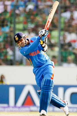 Sehwag smashes 175 in World Cup opener