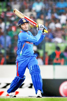 Sehwag hits a 6 in 175 v Bangladesh - World Cup
