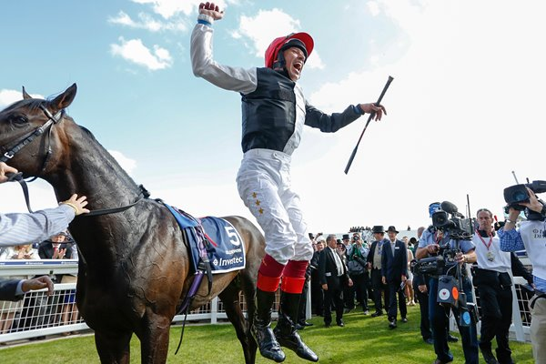 Frankie Dettori Wins the Derby 2015