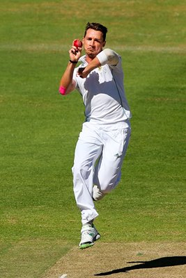 Dale Steyn bowls South Africa v Australia Cape Town 2014