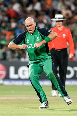 Trent Johnston Chicken Dance v India World Cup