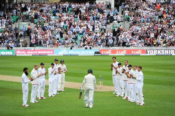 2015 Michael Clarke Guard of Honour OVal 2015