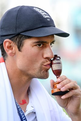 2015 Alastair Cook Kisses Urn Oval