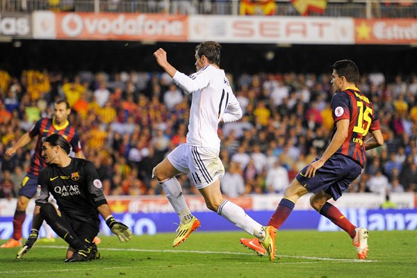 Gareth Bale Winner Real Madrid v Barcelona Copa del Rey Final 2014