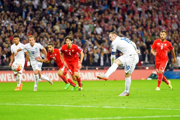 50 Goals Wayne Rooney breaks England Record