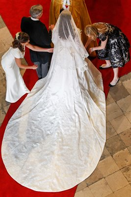 Royal Wedding - Kate Middleton Dress & Train