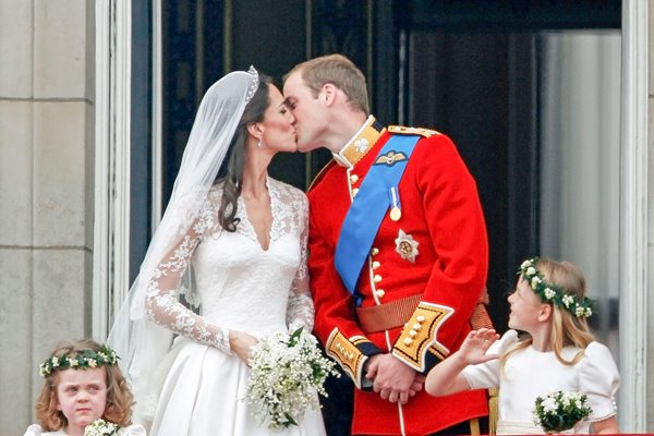Royal Wedding - The Balcony Kiss