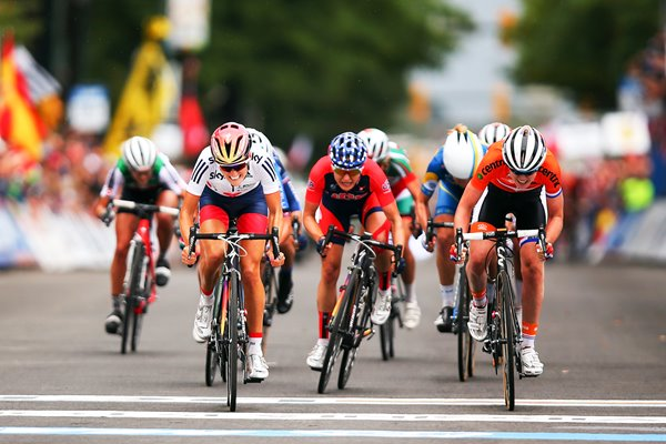 Elizabeth Armitstead Great Britain Road Race finish