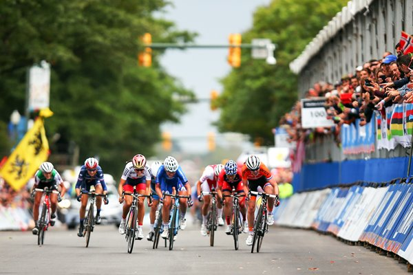 Elizabeth Armitstead wins the Women's Elite Road Race