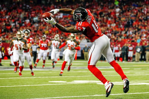 Julio Jones Atlanta Falcons makes a catch