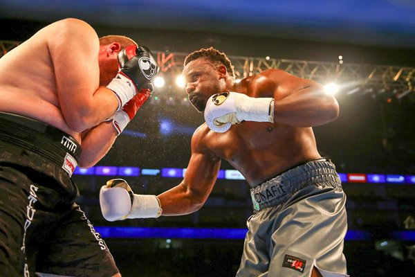 Dereck Chisora v Jacov Gospic London 2015
