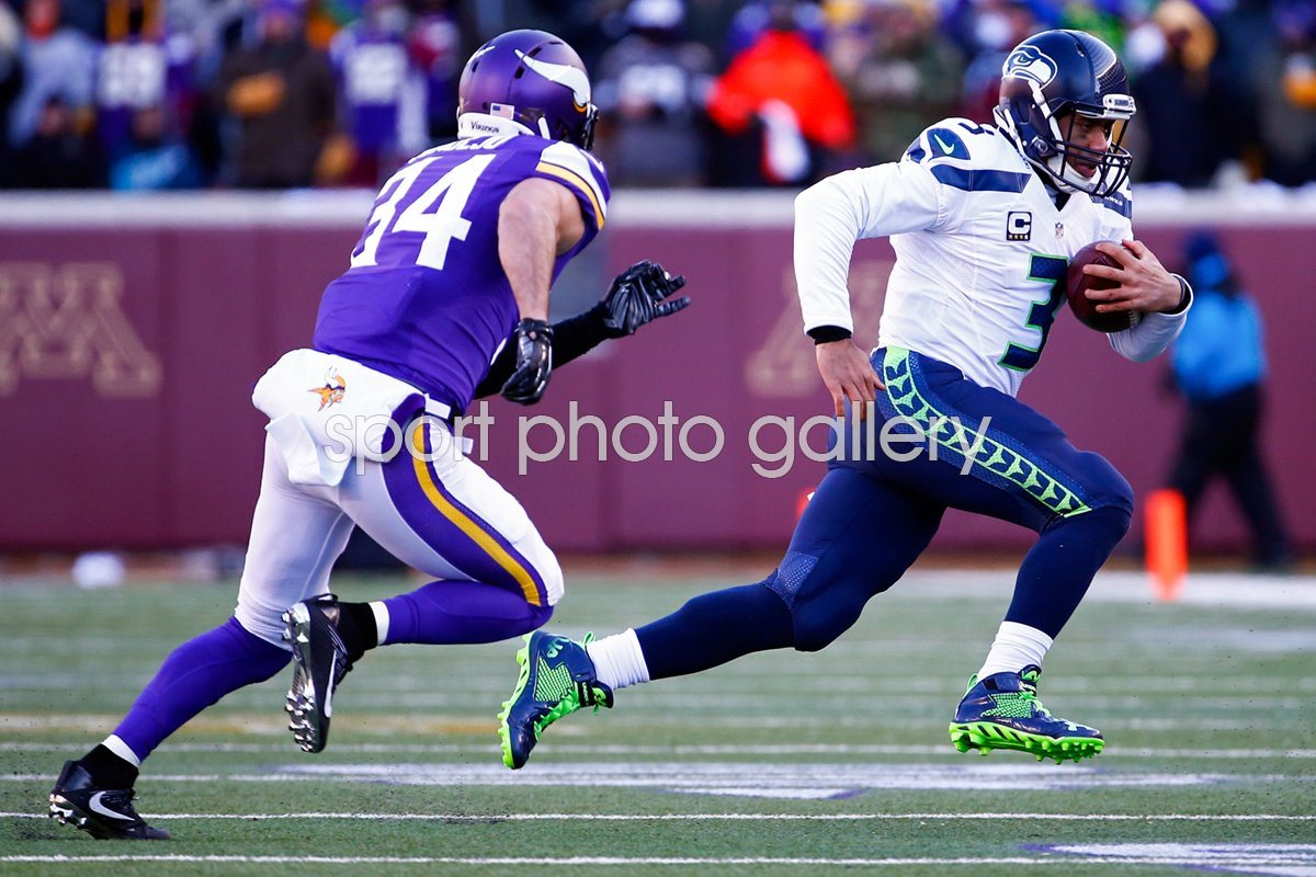 Russell Wilson Seattle Seahawks v Minnesota Vikings 2016