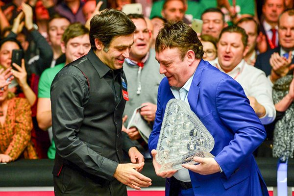 Ronnie O'Sullivan Masters Champion & Jimmy White 2016