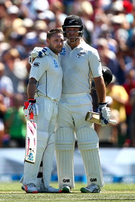 Brendon McCullum congratulated by his century vs Aus