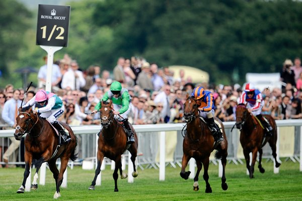 Frankel wins at Royal Ascot 2011