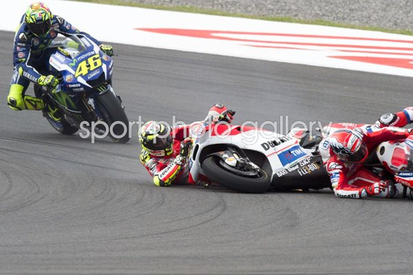Dovizioso Iannone crash MotoGP of Argentina