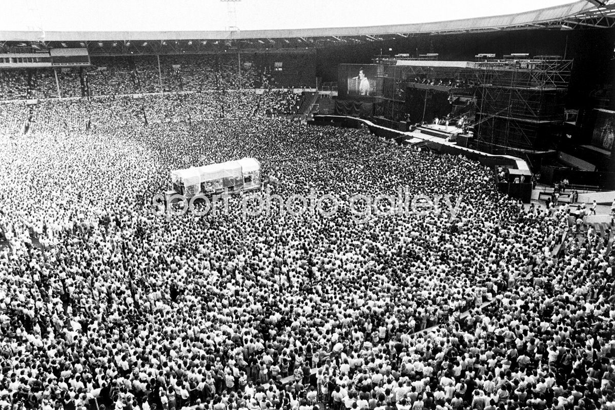 Bruce Springsteen Crowd Wembley 1985