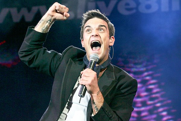 Robbie Williams performs at Live 8 London