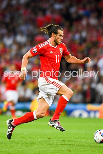 Gareth Bale Wales v Russia Toulouse 2016