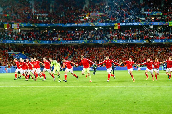 Wales celebrate win  v Belgium Quarter Final Lille 2016