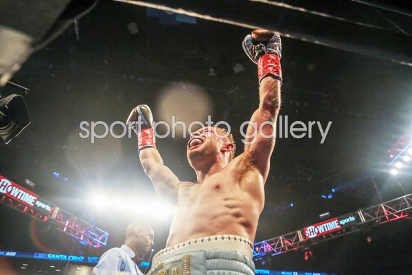 Carl Frampton beats Leo Santa Cruz New York 2016