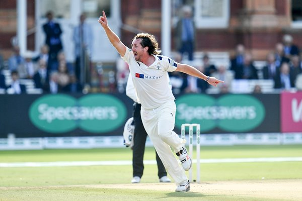 Ryan Sidebottom Yorkshire v Middlesex Lords 2016
