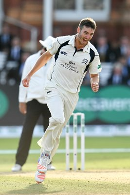 Toby Roland-Jones Middlesex v Yorkshire Lords 2016