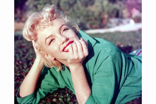 Marilyn Monroe in the park