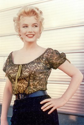 Marilyn Monroe hand on hip