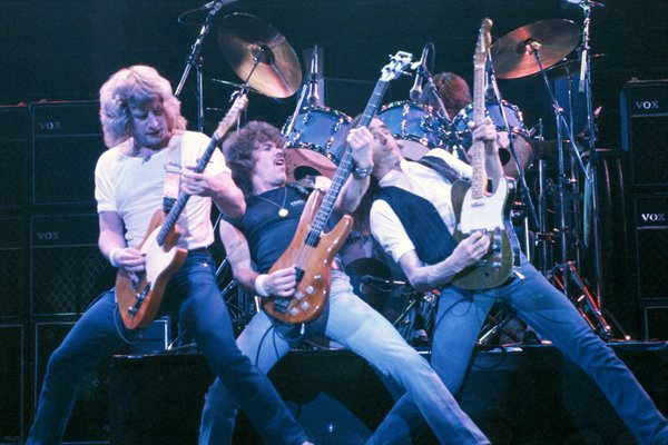 Status Quo on stage 1980