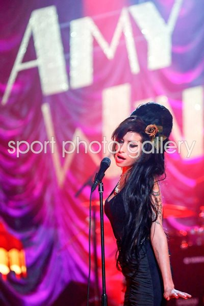 Amy Winehouse Performs For Grammy's 2008