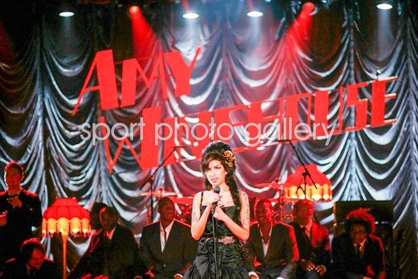 Amy Winehouse Performs For Grammy's