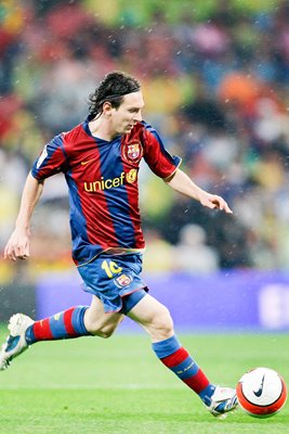 Lionel Messi on the ball for Barcelona 2008