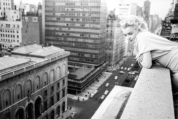 Marilyn Monroe iconic balcony view