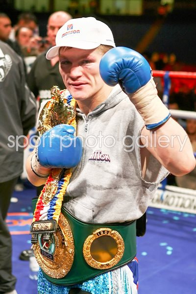 Ricky Hatton celebrates win v Juan Lazcano