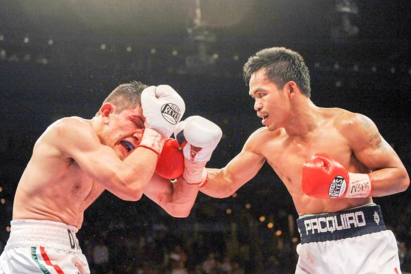 Manny Pacquiao dominates David Diaz