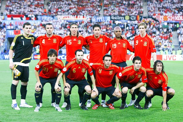 2008 Spain line up before Euro Final