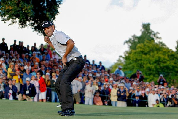 Padraig Harrington holes winning putt