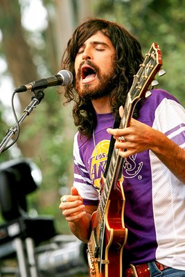 Devendra Banhart performs live