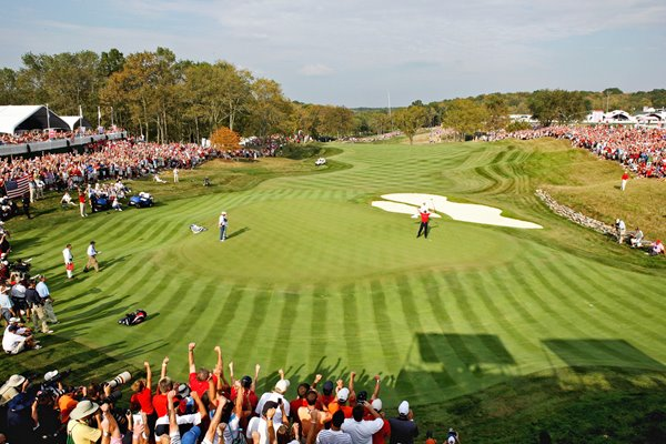 Valhalla crowd celebrates J.B. Holmes singles win