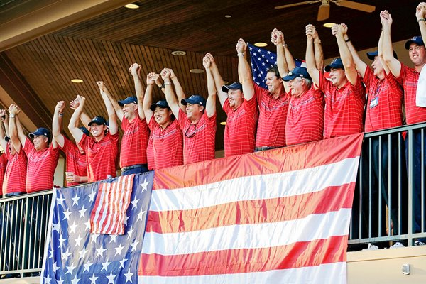 2008 - Azinger & USA team wave to crowd at Valhalla