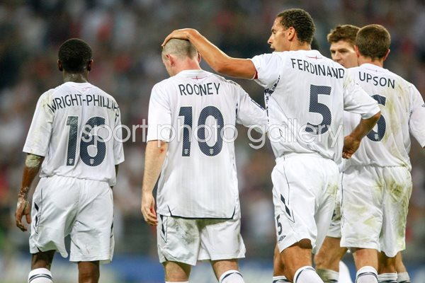 Wayne Rooney Rio Ferdinand England celebration