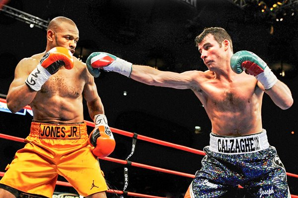 Joe Calzaghe jabs v Roy Jones Jr